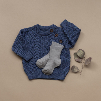 Knitted sweater cable pattern Blue