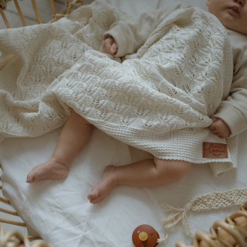 Knitted baby blanket FLORA Cream