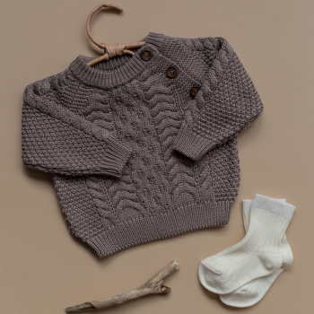 Knitted sweater cable pattern Cocoa